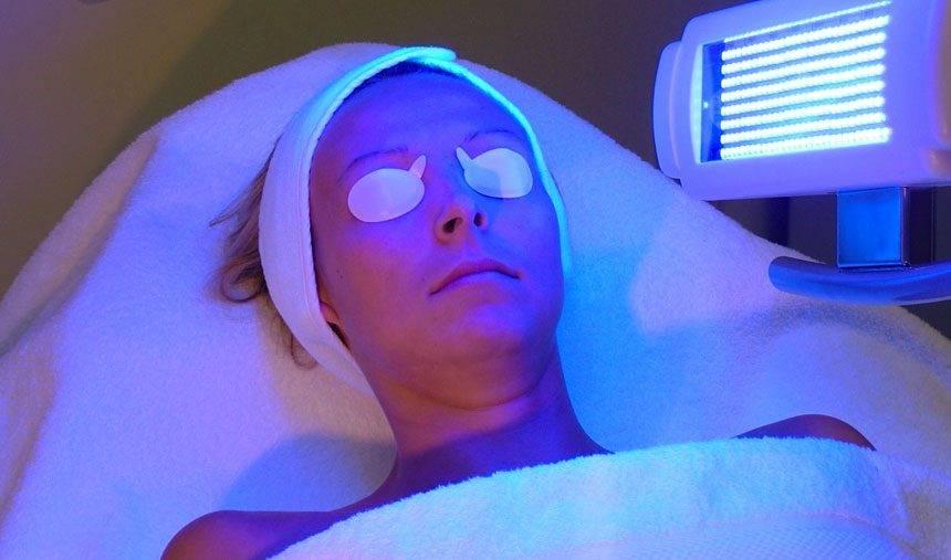 Fototerapia. O que é  e qual a diferença entre PUVA e Narrow Band?